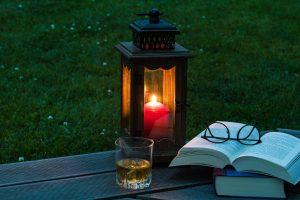 lantern-2369904_1920